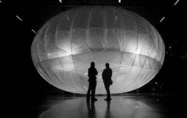 "Ein solarbetriebener WiFI-Ballon aus Googles Projekt ""Loon""."