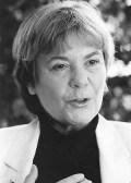 Prof. Dr. Edda Müller wurde 1942 in Sorau/Niederlausitz geboren und lebt in Berlin. Sie ist Honorarprofessorin an der Verwaltungshochschule Speyer. Sie studierte Neuere Geschichte und Politikwissenschaft in München, Berlin und an der ENA in Paris. Nach beruflichen Stationen im Umweltbundesamt und im Bundesumweltministerium war sie Ministerin für Natur und Umwelt in Schleswig-Holstein (1994-1996) und Vizedirektorin der Europäischen Umweltagentur in Kopenhagen. Von 2001 bis 2007 war sie Vorsitzende der Verbraucherzentrale Bundesverband. Seit 2010 ist sie Vorsitzende von Transparency Deutschland. Zuvor hatte sie dem Beirat von Transparency Deutschland angehört.